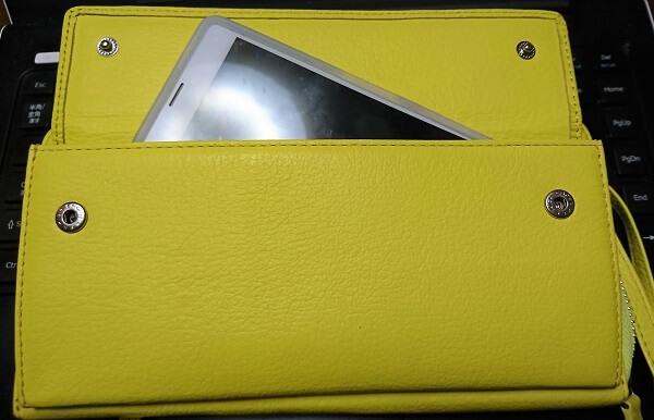 KUBERA9981ネオンカラーウォレットの外ポケット